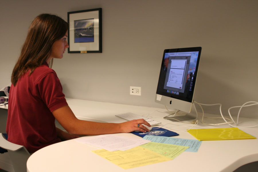 Senior Amanda Murphy works on her college applications.