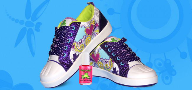 %22Hillary+Paintables+and+Cotton+Candy+Bobbi-Polish%22+from+Jacki+Stanley%27s+Bobbi+Toads+allows+children+to+paint+their+own+shoes.